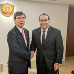 President meets with Singapore officials, business leaders on digital technology in development