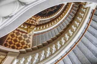Stair curves