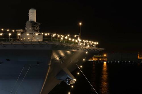 護衛艦いずも 電灯艦飾
