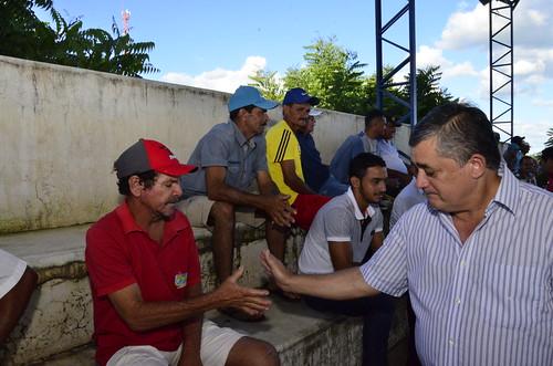 Entrega de 60 kits de irrigação no Encantado