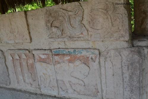 Z.A. Chichen Itza, Templo de las grandes mesas (Edificio 2D1)