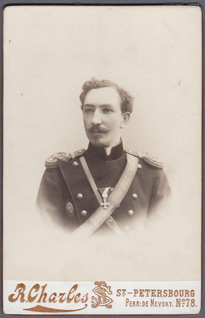 1900-е. Портрет молодого офицера