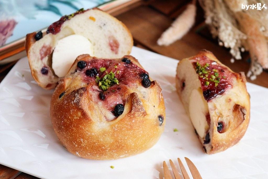 41567893075 72a17bd106 b - 熱血採訪|本丸麵包,每日手感烘焙新鮮出爐,大推爆滿蔥仔胖、明太子法國麵包