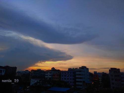 evening eveningsun eveningsky sky skylover shadesofsky urban urbansky urbanphotography naturelover naturephotography nature skygrapher skyphotography dhaka bangladesh dhakacity amateurclick amateurphotography amateur blue colours dusk softcolour mobilephotography mobileclick clouds cloud skyscrapper nwn