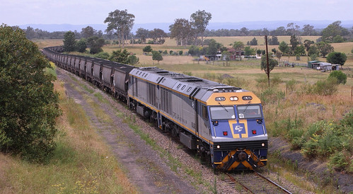 EL52 & EL55 AUSTAR MINE LOADED COAL AT GILLIESTON HEIGHTS.