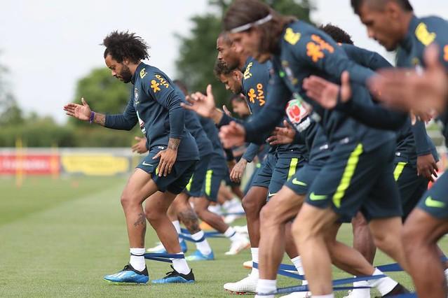 Seleção Brasileira estreia na Copa do Mundo contra a Suíça