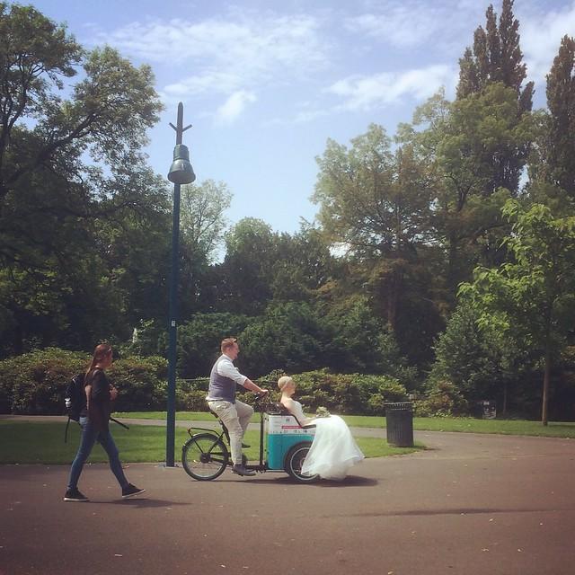 Bruid op de Bakfiets