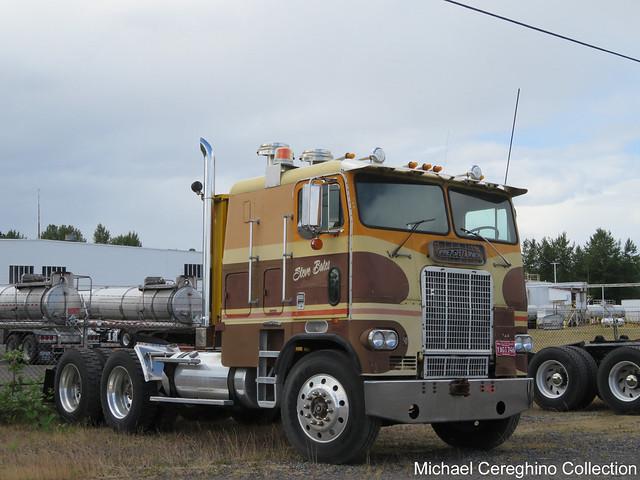 Steve Bates 1976 Freightliner COE