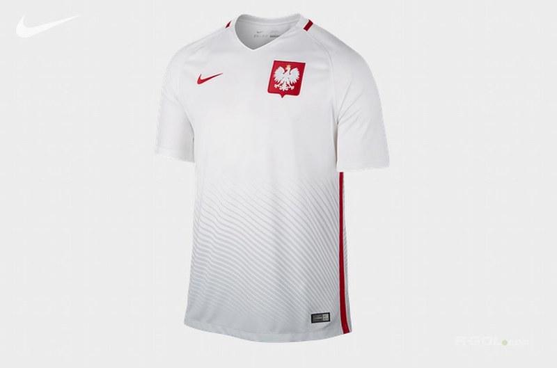 z22491379V,Tak-moga-wygladac-koszulki-reprezentacji-Polski-po