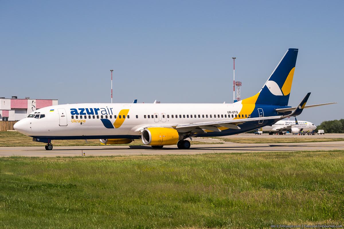 Boeing 737-800 UR-UTQ Azur Air Ukraine