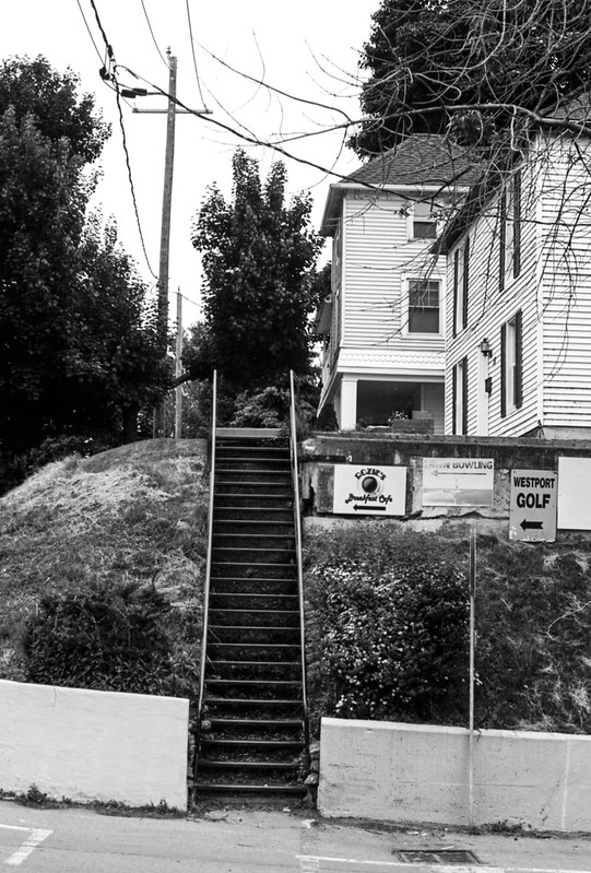 Port Dalhousie Steps to the Sidewalk