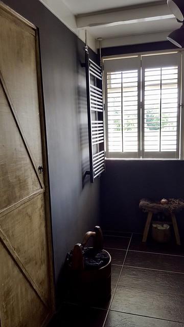 Shutters schuifdeur badkamer landelijke stijl