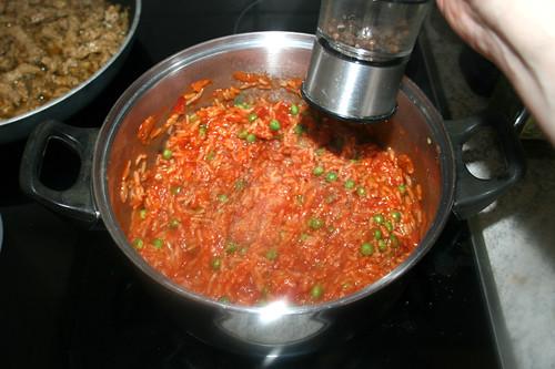 54 - Tomatenreis mit Salz & Pfeffer abschmecken / Taste tomato rice with salt & pepper