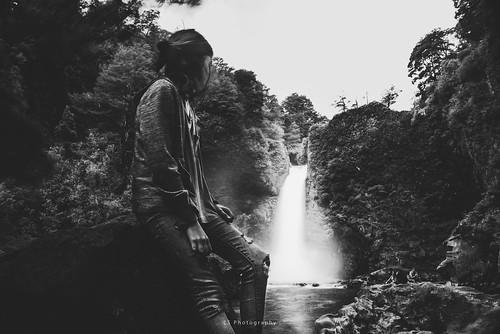 life river stream flow landscape panguipulli regióndelosríos chile cl kiltro huilohuilo nature water waterfall longexposure bw blackandwhite people forest