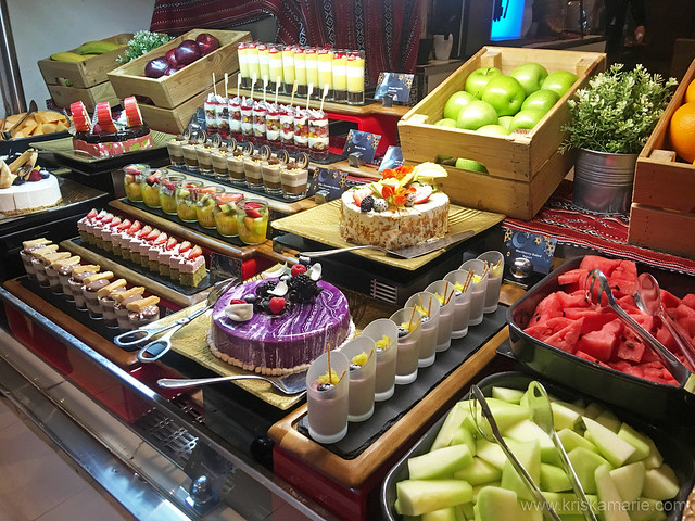 International Desserts and Fresh Fruits