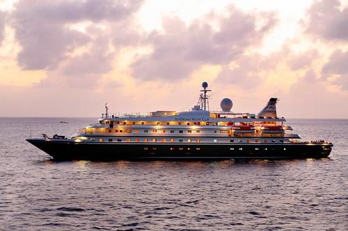 Luxury yachting Cuba