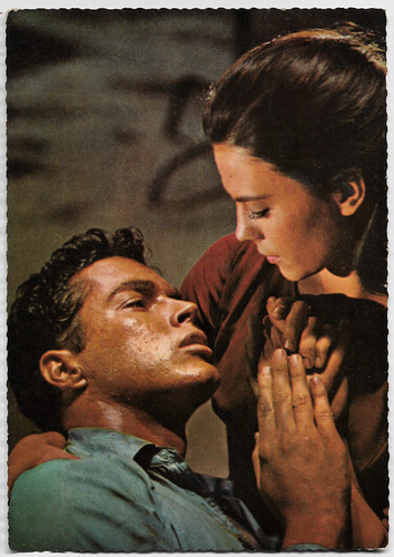 Richard Beymer and Nathalie Wood in  in West Side Story (1961)