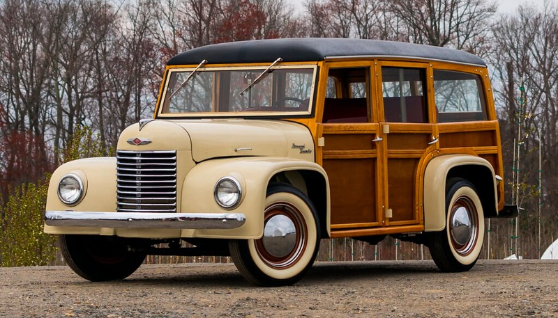 1945-Diamond-T-Woody-Wagon