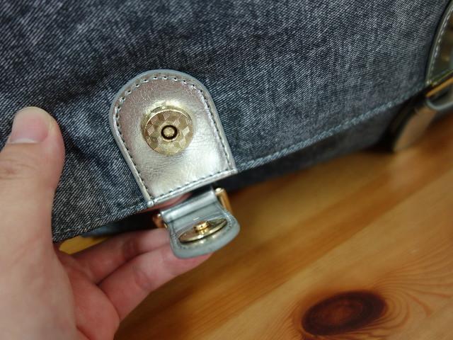 下方的口袋要先打開磁釦@Zolia Go Go Bag走走包