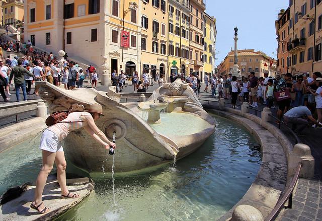 A water refill point at the Fontana della Barcaccia