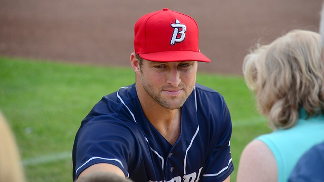 Tim Tebow Signing Autographs for Fans in Trenton