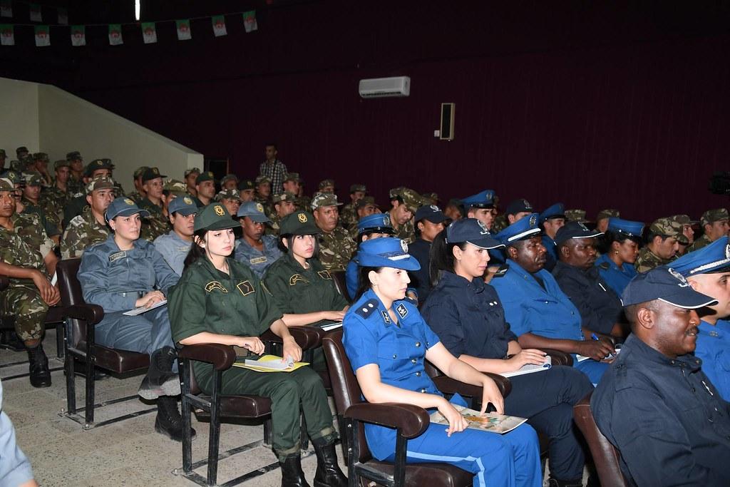 الجزائر : صلاحيات نائب وزير الدفاع الوطني - صفحة 21 28514293518_30fc242afc_b
