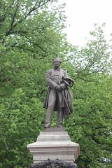 Pomnik Eugène'a Schneidera