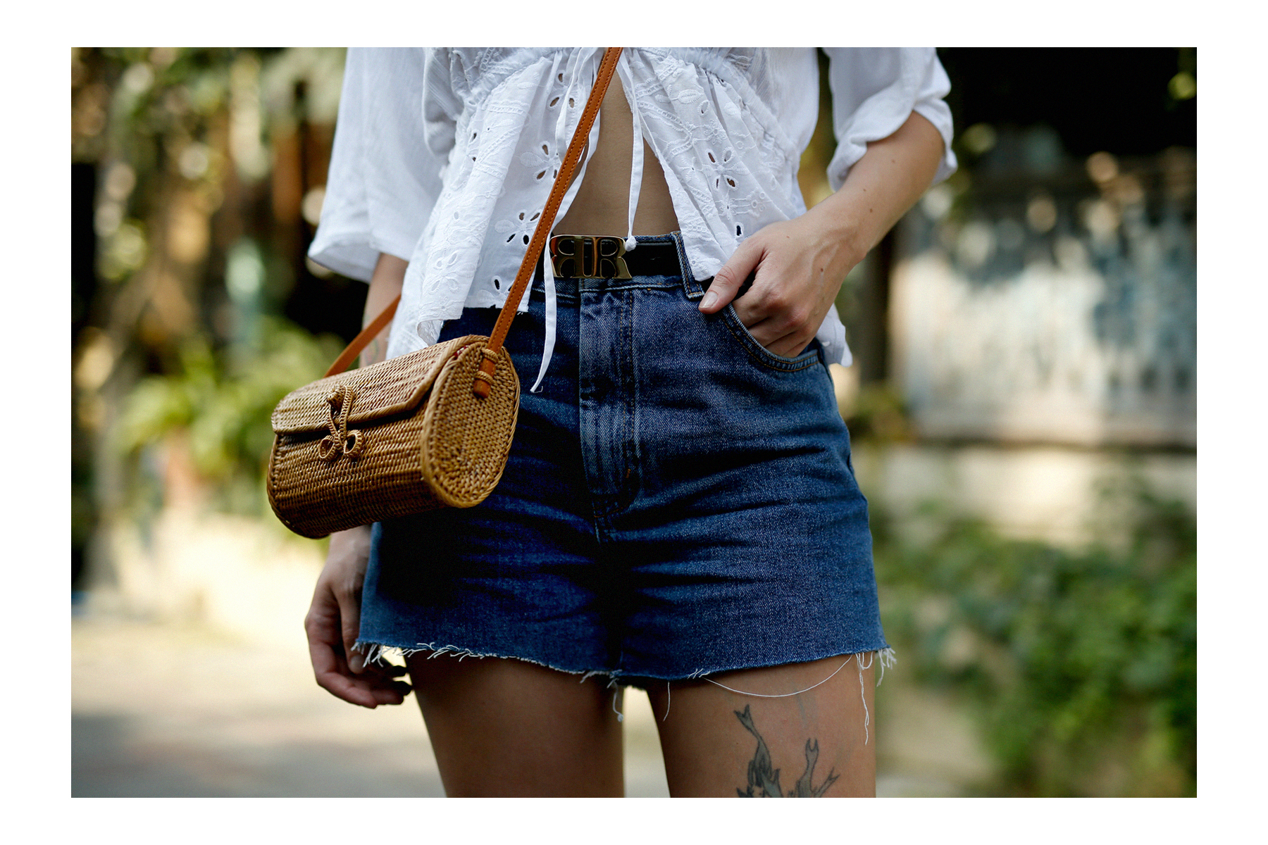 outfit bali denim shorts & other stories pull and bear blouse gucci sunglasses sacha shoes ubud styling style art market modeblogger travelblogger outfitblog ricarda schernus max bechmann 3