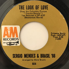 SERGIO MENDES & BRASIL '66:THE LOOK OF LOVE(LABEL SIDE-A)
