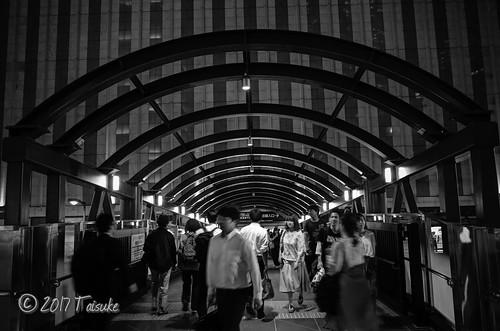 GR2作例:夜のヨドバシ橋