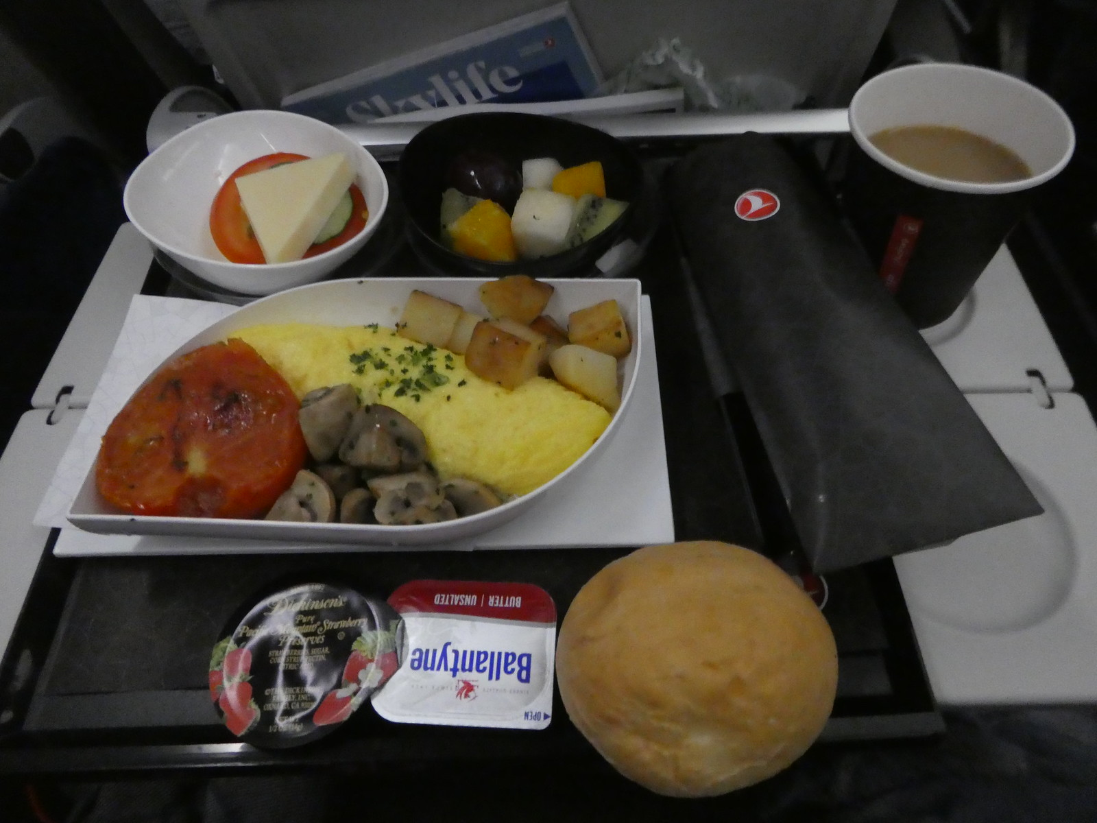 Breakfast on board our Turkish Airlines flight from Seoul to Istanbul