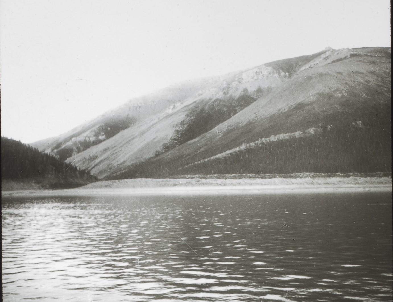 Якутская область. Берега реки Лена