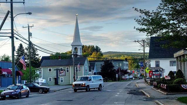 Small town scene - Escena pueblerina
