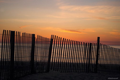 cantgettherefromhere sunrise watchingthesunrise waves water atlanticocean sussexcounty sand sandfence sanddunes fence fenceline fencefriday beach beachocean morning morninglight sky clouds hff happyfencefriday silhouette silhouettes shoreline shore