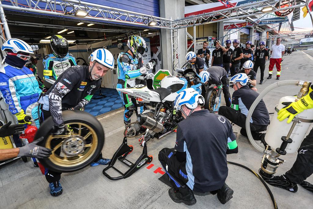 8,Hours,Oschersleben,2018,N 48 Nrt48 - Bmw Motorrad, Foray Kenny, Hickman Peter, Kerschbaumer Stefan