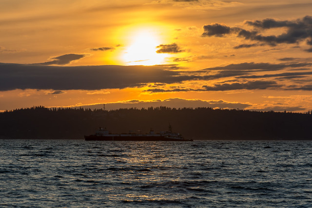 Puget Sound sunset, Nikon D7100, AF-S DX Nikkor 18-140mm f/3.5-5.6G ED VR