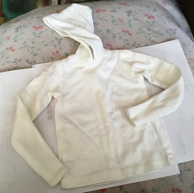 Wonderful white hooded pullover with contrasting texture fabric - for Dollshe or large SD boys 25