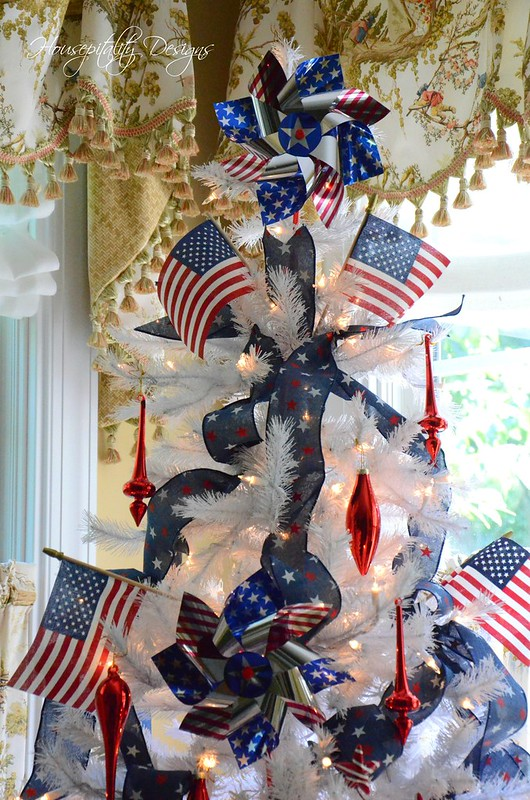 Patriotic Tree-Housepitality Designs