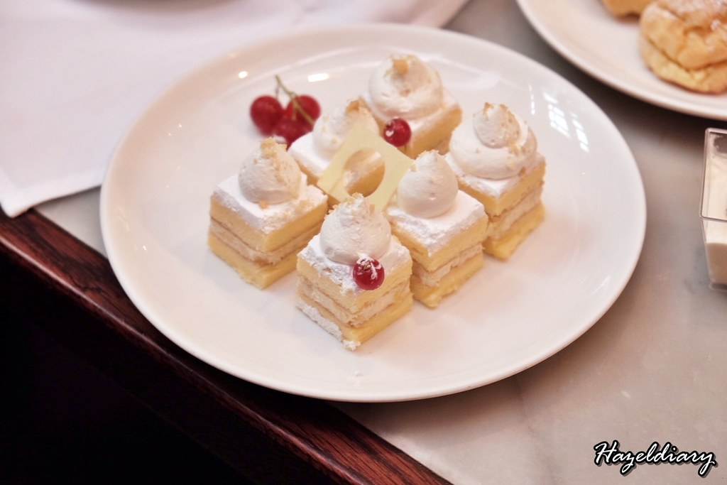 Decadent Durian High Tea Buffet-Marriott-Mousse Cake