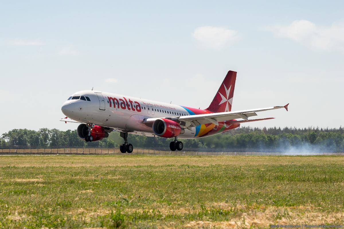 Airbus A320-200 9H-AEN Air Malta