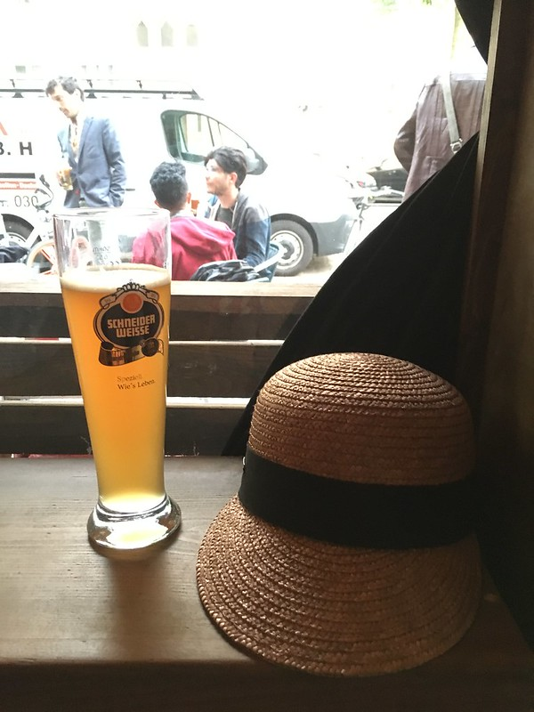 thursday, beer at du beast bar, neuköln, berlin
