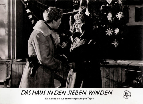 Larisa Luzhina in Na semi vetrakh (1962)