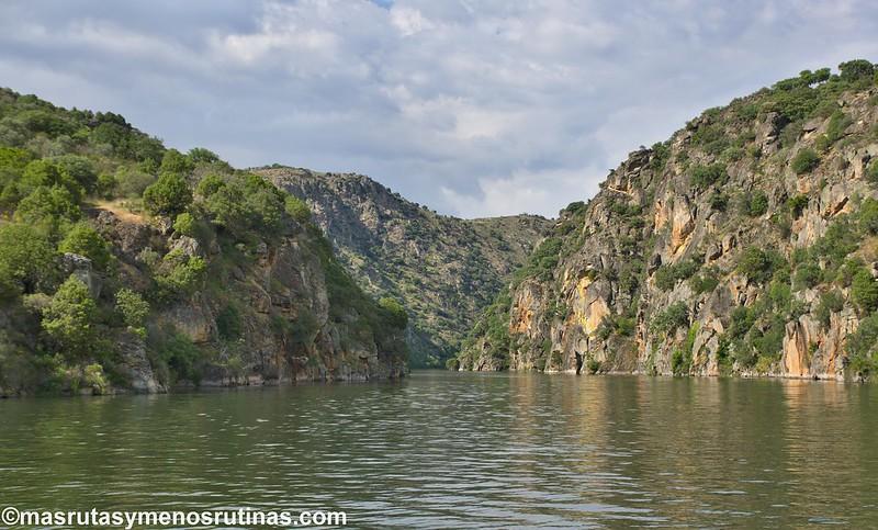 En Barco Por Arribes Del Duero Desde Aldeadávila Más Rutas Y Menos Rutinas