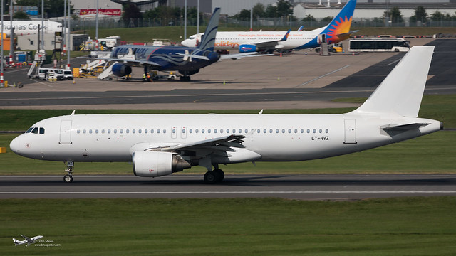 LY-NVZ A320 AVION