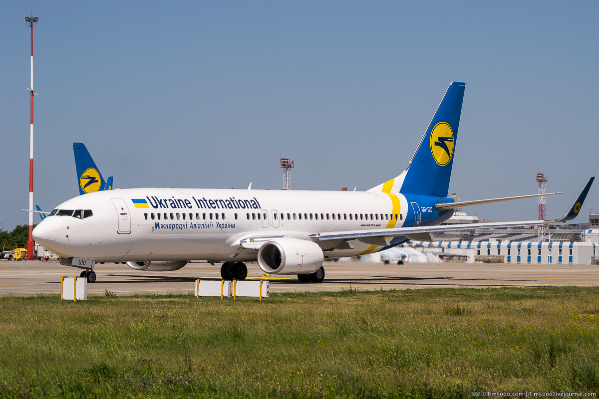 Boeing 737-800 UR-UID Ukraine Internations Airlines