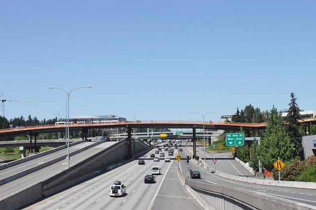 Link construction over I-405