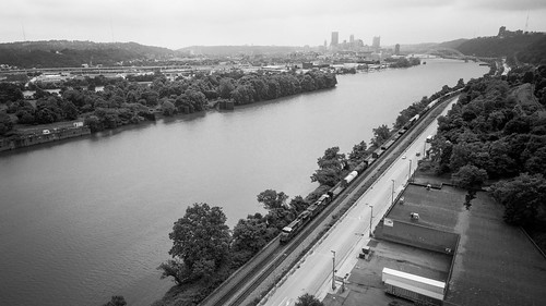 bw blackandwhite csx csxpittsburghsub csxq369 csxt drone ohioriver pittsburgh skyline aerial dronephotography photo photography rail railroad river trains