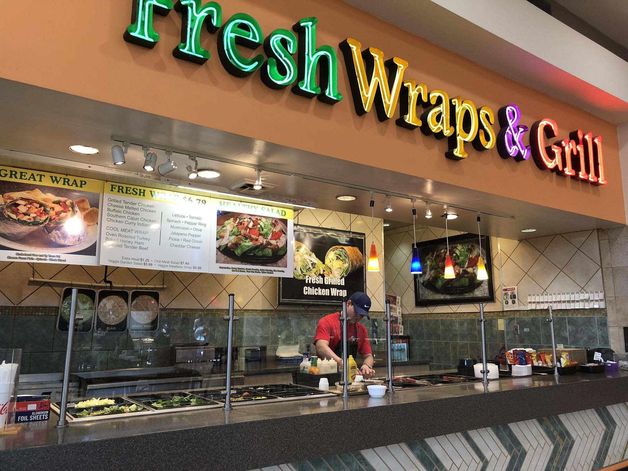 Candace Lately: Charleston Edition: Fresh Wraps & Grill
