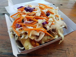 Baked potato with Baked beans, slaw, mushrooms (Dr Who vs David Beckham) from London Spuds at Mt Gravatt Marketta