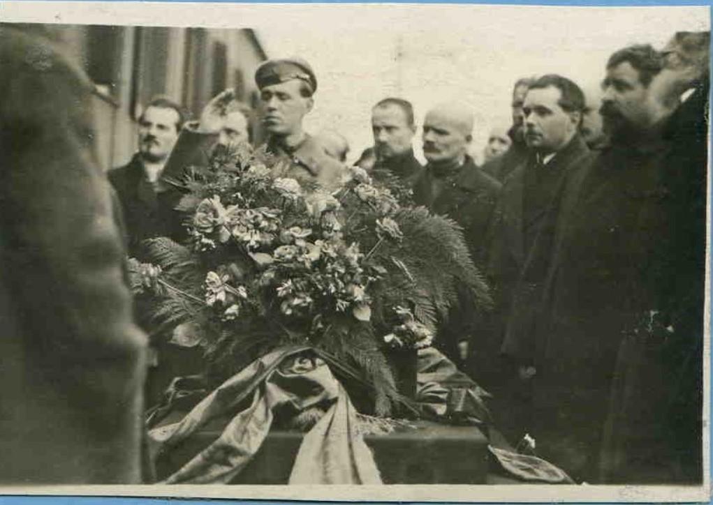 1925. Похороны Мирона Константиновича Владимирова (Шейнфинкель), заместителя председателя ВСНХ СССР. Москва